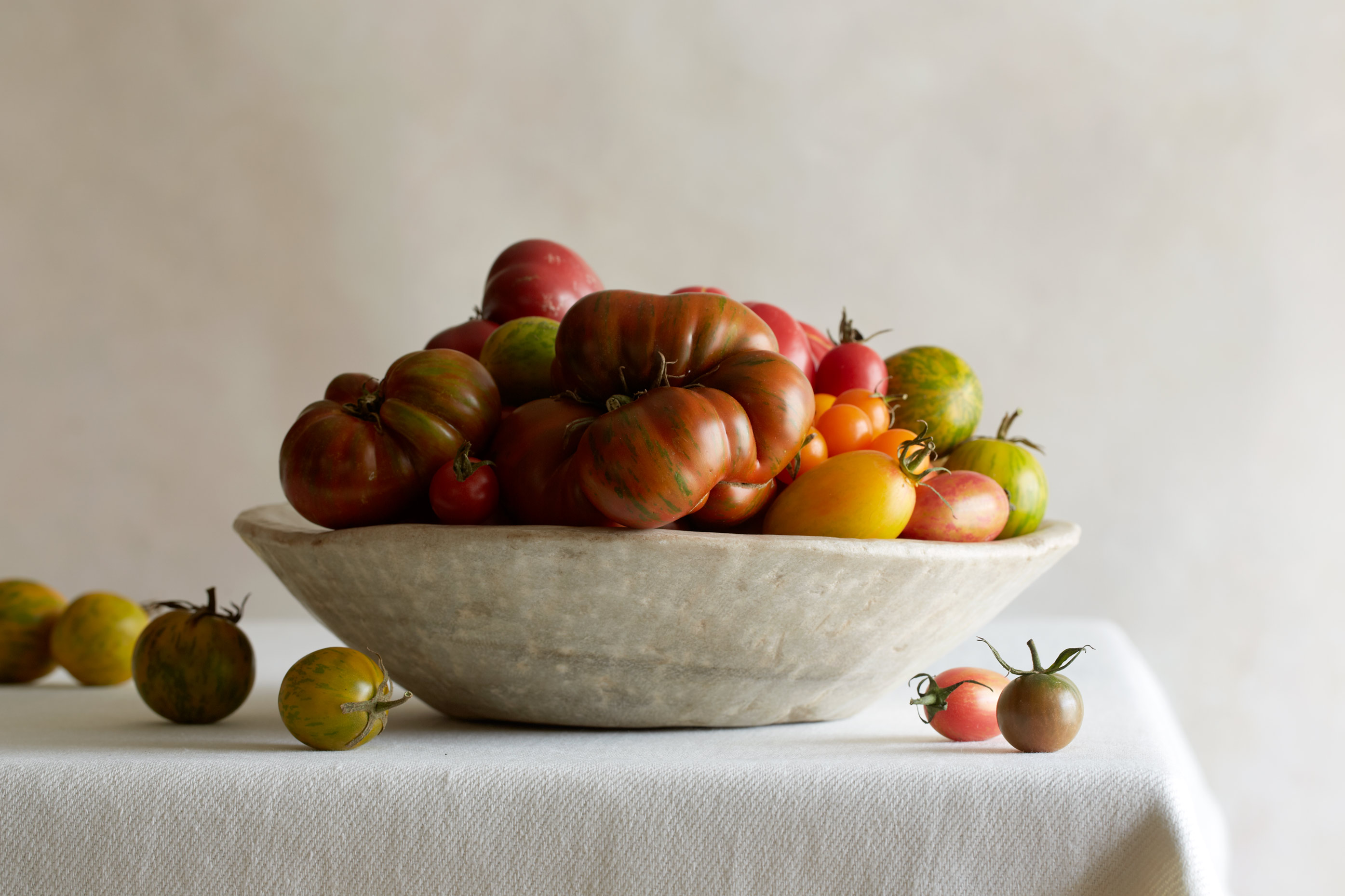 heirloom_tomato_still_life_food_photographer