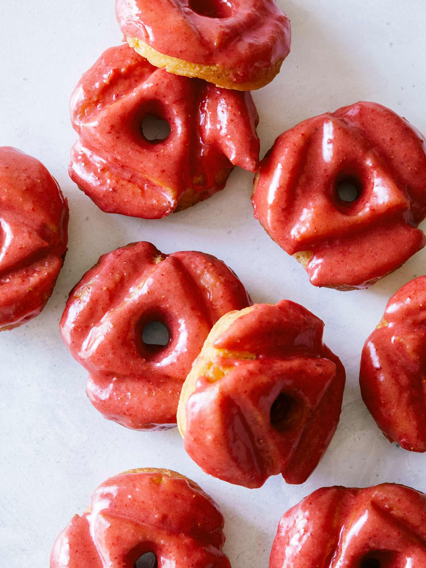 strawberry_glazed_old_fashioned_doughnuts_Food_photographer